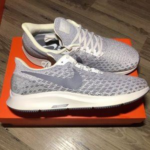 Women's Nike Air Zoom Pegasus 35 size 11 New!